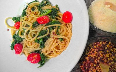 Spicy Garlic & Kale Spaghetti with Blistered Tomatoes